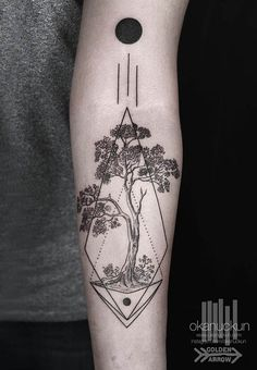 #tattoofriday - Okan Uckun, tatuagens minimalistas e com formas geométricas. Blackwork/linework;: