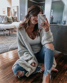 Casual fashion winter outfits ideas for women 18 - www. Casual Winter Outfits, Winter Outfits For Teen Girls, Winter Fashion Casual, Winter Chic, Cute Fall Outfits, Autumn Winter Fashion, Trendy Outfits, Easy Outfits, Cozy Fashion