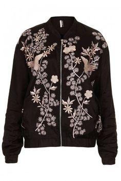8e860dc95d5c Topshop bestickte Bomberjacke Bestickte Kleidung, Jacken, Modisch,  Damenmode, Aufgestickte Blumen, Leder