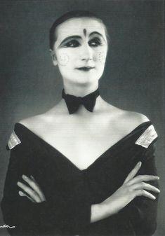 Cabaret singer & actress Margo Lion photographed by Alexander Binder, 1927.