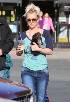 Britney Spears Takes Her Boys Shopping