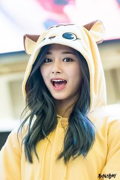Tzuyu ( 저우쯔위 ) Twice Photos K Pop, Kpop Girl Groups, Kpop Girls, Korean Beauty, Asian Beauty, Tzuyu And Sana, Tzuyu Wallpaper, Sana Cute, Twice Tzuyu
