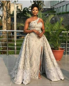 Munaluchi Bride - All the way glam. African Prom Dresses, African Wedding Dress, African Fashion Dresses, African Dress, African Weddings, Wedding Attire, Wedding Gowns, Wedding Reception, Lace Wedding