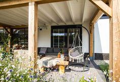 Veranda Pergola, Cottages, Veranda Ideas, Patio, Outdoor Decor, Grid, Home Decor, Cabins, Decoration Home