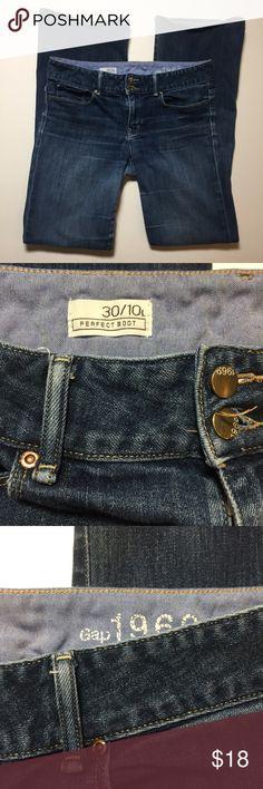 "Gap Women's Jeans Size 30 (10L). Bootcut Women's Jeans. Waist measures 33"". Inseam is 34"". Good condition.   (17) GAP Jeans Boot Cut"