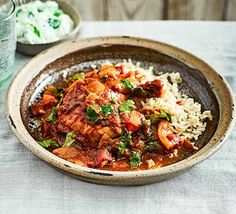 Find slow cooker recipes for all your favourite one pots including slow cooker chicken curry, chilli con carne and vegetable lasagne. From BBC Good Food. Slow Cooking, Slow Cooked Meals, Cooking Recipes, Slow Cooker Recipes Uk, Slow Food, Pecans, Sin Gluten, Feta, Slow Cooker Chicken Curry