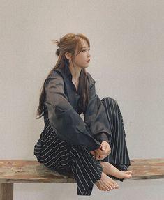 South Korean Women, Mamamoo Moonbyul, Cute Hamsters, Manga Illustration, Just Girl Things, Kpop Outfits, Stars And Moon, Rainbow Bridge, Korean Girl Groups