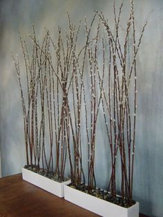 pussy willow branches for escort card display wall Winter Window Display, Fall Window Displays, Christmas Window Display Retail, Salon Window Display, Card Displays, Table Flower Arrangements, Floral Arrangement, Decoration Vitrine, Diy Home Decor