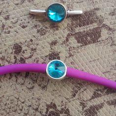 Fermoir pour cordon silicone rond 3 mm avec strass couleur turquoise