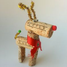 How to make a wine cork reindeer for a Christmas tree or a fun table decoration. Easy project made with very few supplies.