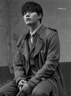 Think You Know Korean Actor Yeo Jin Goo? Read This. Handsome Korean Actors, Handsome Boys, Jin Goo, Yoo Seung Ho, Kdrama Actors, Asian Actors, Celebs, Singer, Photoshoot