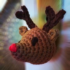 Ich habe euch ein paar Anleitungen für Weihnachtshäkeleien versprochen, die ihr sowohl für Adventskalender eurer Lieben als auch für den weihnachtsbaum gebrauchen könntet. Nach der Schneemannweihna…