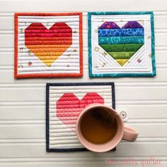Ombre heart coasters - The Crafty Quilter Mug Rug Tutorial, Applique Tutorial, Pouch Tutorial, Patch Quilt, Quilt Blocks, Rug Binding, Fabric Origami, Quilt As You Go, Cork Fabric
