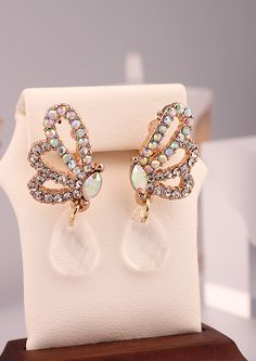 http://www.aliexpress.com/store/product/White-Korea-18K-Gold-Plated-Butterfly-Crystal-Stud-cc-Earrings-for-Women-2014-New-Fashion-Wedding/239061_2012783730.html Find More Stud Earrings Information about White Korea 18K Gold Plated Butterfly Crystal Stud cc Earrings for Women 2014 New Fashion Wedding Jewelry Accessories Wholesale,High Quality Stud Earrings from Hawaii Arts Jewelry