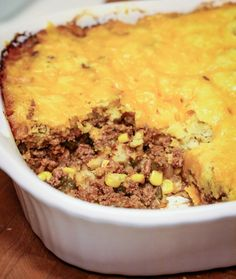 In Texas we love tamales. Texas Tamale Pie is a spin on beef tamales. One of my favorite recipes, and everyone seems to love it, WIN WIN! Tamale Casserole, Tamale Pie, Mexican Casserole, Casserole Recipes, One Dish Dinners, One Pot Meals, Mexican Dishes, Mexican Food Recipes, Mexican Cooking
