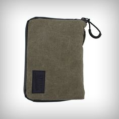 "The RYOT PackRatz in Olive is a compact protection solution for daily use. These well padded pouches feature a SmellSafe™ zipper and microscopic carbon application to create a scent resistant enclosure for your favorite glass, vaporizer, or other small valuables. •	Size: Medium •	Dimension: 4.5"" x 6.5"" Sizes"