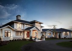 Traditional Meets Contemporary in Sophisticated Michigan Home - http://freshome.com/traditional-meets-contemporary-in-michigan/