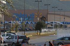 is walmart open on memorial day 2012