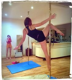 Cupid pole move - no hands #poledancing #polefitness #invertedcrucifix #sport #fitness #fitnessfun #exercise #polemove #cupid