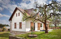Venkovská idyla u Blaníku Garden Architecture, Types Of Houses, Little Houses, House Front, Outdoor Spaces, Landscape Design, Home And Family, Sweet Home, Home And Garden