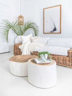At Uniqwa Furniture Collections we love styling living rooms with natural wooden pecies and large vases with palm leaves! ✔️✔️This stunning costal style living room featuring Uniqwa's Trunk Coffee Boho Living Room, Coastal Living, Home And Living, Living Room Decor, Living Spaces, Bedroom Decor, Living Rooms, Family Rooms, Coastal Decor