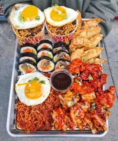 💬 My good friend Charlie over at would like to give a huge thank you to all of his loyal customers out here in SF, so… food ideen ideas food food food Korean Street Food, Korean Food, Chinese Food, Think Food, Love Food, Tapas, Food Goals, Aesthetic Food, Food Cravings