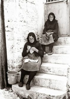 More Yarn Will Do The Trick: Mani, Greece in the Old Pictures, Old Photos, Vintage Photos, Herbert List, Old Greek, Greece Photography, Knit Art, The Old Days, Working Woman