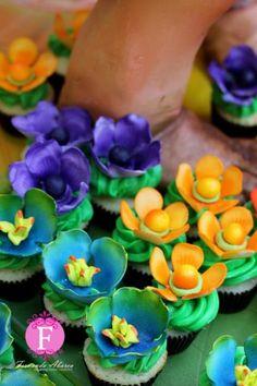 DreamWorks The Croods Sandy Cake &amp Cupcakes cakepins.com