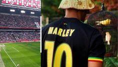 UEFA: «Κόκκινο» στον Άγιαξ για τη τιμητική φανέλα στον Μπομπ Μάρλεϊ - Διεθνές Ποδόσφαιρο - Νέα Κρήτη Bob, Lava, Sports, Hs Sports, Bob Cuts, Pallet, Sport, Bob Sleigh, Bobs