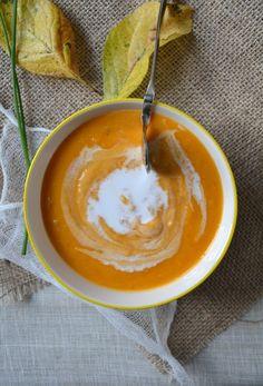 Velouté de potimarron et patate douce aux lentilles corail et lait de coco http://www.lesrecettesdejuliette.fr