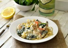 eat skinny: healthy shrimp pasta with cream sauce recipe Creamy Shrimp Pasta, Shrimp Pasta Recipes, Fish Recipes, Seafood Recipes, Cooking Recipes, Healthy Recipes, Drink Recipes, Prawn Pasta, Recipe Pasta