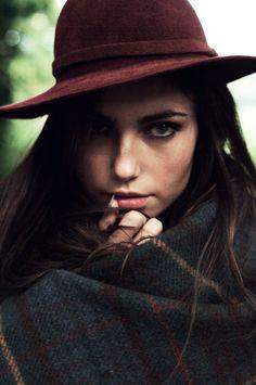 flannel wrap + oxblood hat.