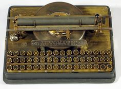 Automatic Automatic Typewriter Company, Brooklyn, New York 1887 - serial Kelly Wearstler, Plywood Furniture, Writing Machine, Hamilton, Antique Typewriter, Vintage Office, Vintage Typewriters, Vintage Design, Retro Vintage