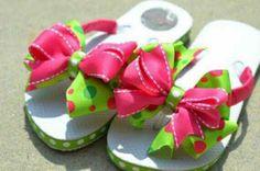 Pink & Green Polka Dot Bow Flip Flops for girls Chinelos Flip Flop, Ribbon Flip Flops, Flip Flop Craft, Decorating Flip Flops, Shoe Crafts, Pretty Toes, Flip Flop Sandals, Diy Fashion, Pink And Green