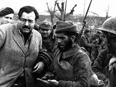 Ernest Hemingway. Photo de Robert Capa.