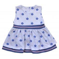 Tym razem coś już na lato dla niemowląt.   Śliczna, Letnia Sukieneczka dla Niemowlaka bez Rękawków w Niebiesko białej kolorystyce. 100% Mięciutka Bawełna. Polski producent Koala.  Rozmiary znajdziecie na stronie:)  Do jutra:)  #sukieneczkadlaniemowlaka #sukienkadlaniemowlaka #koala #ubrankadlaniemowlat