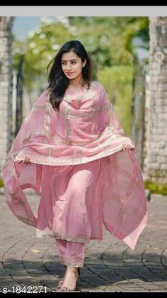 Indian kurta dress With dupatta pant Flare Top Tunic Set blouse Combo Pakistani Dresses, Indian Dresses, Western Dresses, Indian Outfits, Kurtis With Pants, Indian Kurta, Indian Ethnic, Flare Top, Bollywood Fashion