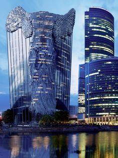 Trabajo imaginativo; ha sido publicado por la editorial italiana Skira como una edición de tapa dura de lujo. Bajo el título '' Vasily Klyukin: Proyectos Legends '', el libro contiene alrededor de 300 imágenes de alrededor del 50 de Klyukin diseños visionarios, incrustado en imágenes reales de las ciudades más famosas del mundo.