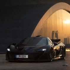 #Dream4You di oggi è #McLaren #P1 solo 375 esemplari per questa #hypercar da ben 916CV! motorsquare.eu/it #autogespot #supercarsdaily700 #supercar #supercars #car #cars #cargram #carporn #carsofinstagram #carswithoutlimits #amazingcars247 #exotics #hypercars #automotivegramm #sportscars #carinstagram #fast #carlifestyle #carlife #Itswhitenoise #IGCar #superexoticscars #speed #road #wheels