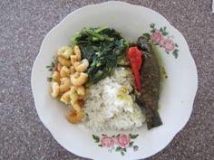 Surinam Food: Rice with Kwi Kwi, Amsoi & Shrimps.