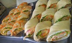 O Sanduíche Enrolado é uma receita prática e deliciosa para o seu lanche ou evento. Ele é feito com uma massa muito saborosa e fofinha e você pode recheá-l