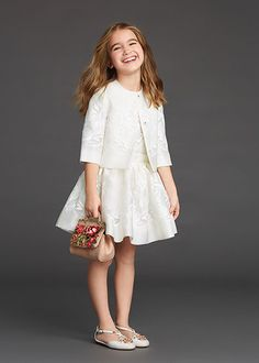 dolce and gabbana winter 2016 child collection 09 Little Girl Outfits, Little Girl Fashion, Kids Outfits, Kids Fashion, Cute Dresses, Girls Dresses, Flower Girl Dresses, Dolce And Gabbana Kids, Baby Kind