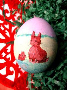 Bunnys on Easter Egg