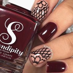 Freehand lace nails recreation of some nails I did last year. Tutorial later  Products used: @serendipitypolish 'less wine, more wine' @shoplvx 'nu' @winstonia_store Berry wine brush set use my code ‼️TEENS10‼️ for 10% off Black acrylic paint  Dotting Tool