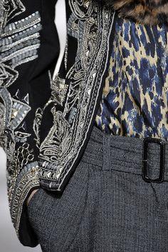 Dries Van Noten Fall 2010 Ready-to-Wear Fashion Show Details