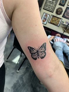 37 Pretty Butterfly Tattoos Ideas That You Must Try Right Now Mini Tattoos, Wörter Tattoos, Elbow Tattoos, Dainty Tattoos, Arm Tattoo, Small Tattoos, Sleeve Tattoos, Tattoo Baby, Ribbon Tattoos