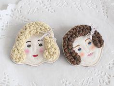 Girl brooch 2types