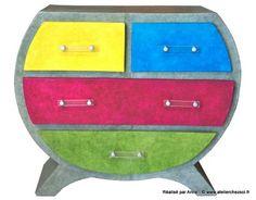 Commode en carton colorée réalisée par Anne - Créer ses meubles en carton