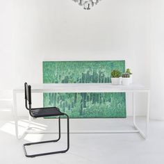 Wit marmeren tafel met wit onderstel