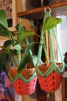 Modern Crochet Patterns, Crochet Flower Patterns, Crochet Motif, Crochet Doilies, Crochet Flowers, Crochet Planter Cover, Crochet Plant Hanger, Plant Holders, Crochet Decoration